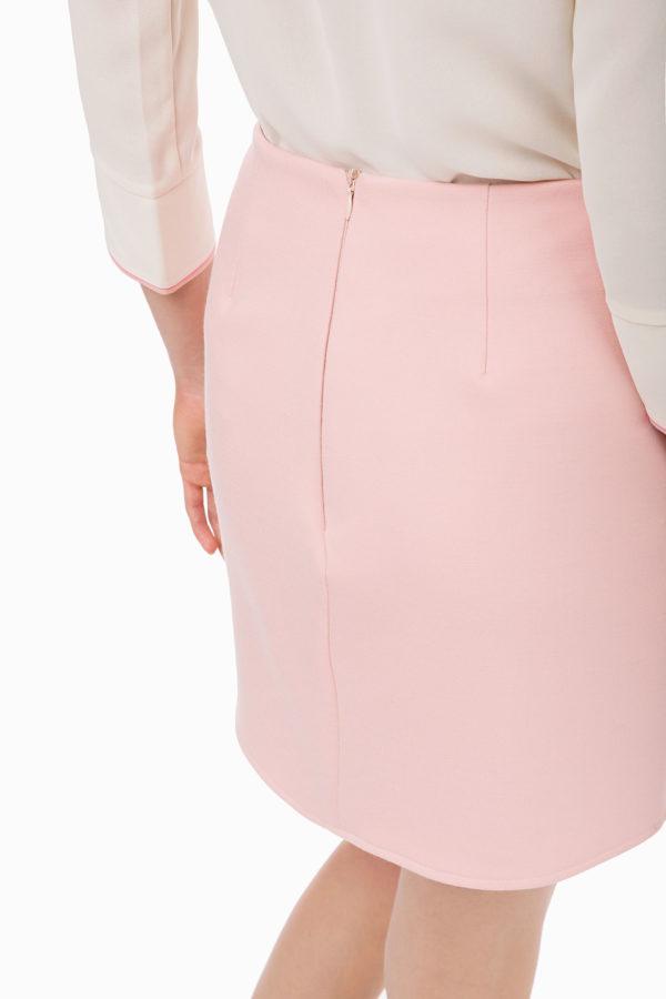 Delikatna spódniczka mini z wysokim stanem i złotymi guzikami Elisabetta Franchi